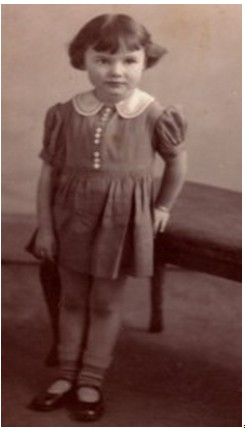 Annette Woodhead (Wallace) aged 6.