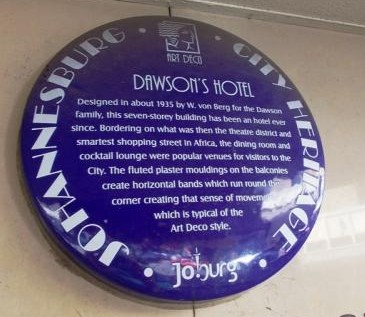 Blue plaque at entrance to Dawson's Hotel.