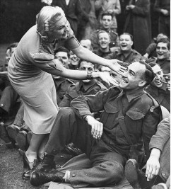 Paddy entertaining the troops during World War 2 (1943)