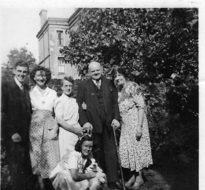 tom-hilda-and-family